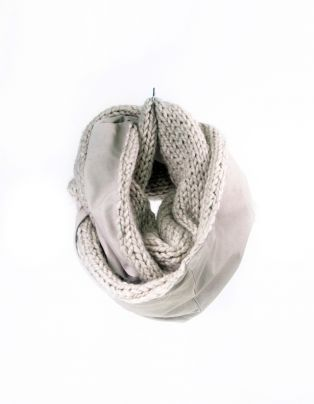 Round scarf from leather and knitted wool.