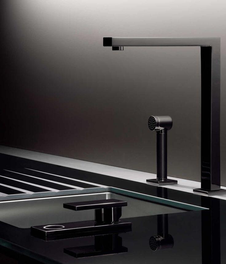 Porsche Design in collaboration with Poggenpohl | Kitchen P7340