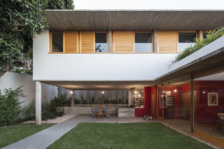 11009PR130605-050D.jpg Casa na Lapa. São Paulo, SP, Brasil. Projeto: Escritório 'Brasil Arquitetura'.