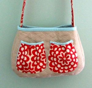 I like the pockets on the purse. need to add these kind on the next purse i make. Tutorial ~ Lining Tutorials « Sew,Mama,Sew! Blog