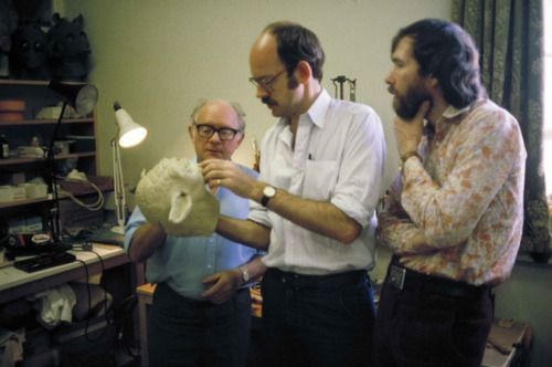 Frank Oz discusses the Yoda puppet with Jim Henson and Stuart Freeborn