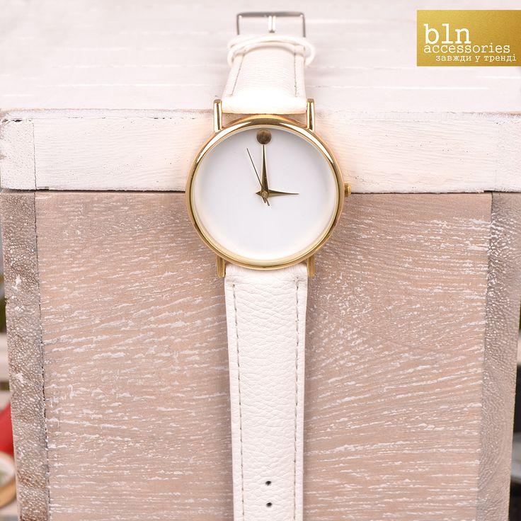 Модний годинники з ремінцем та яскравим циферблатом- в магазинах BLN accessories. \ Fashion watch with strap in stores BLN accessories.