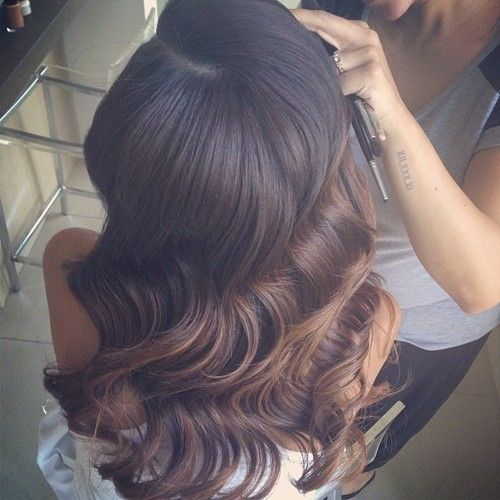 I love these vintage deep waves, beautiful.