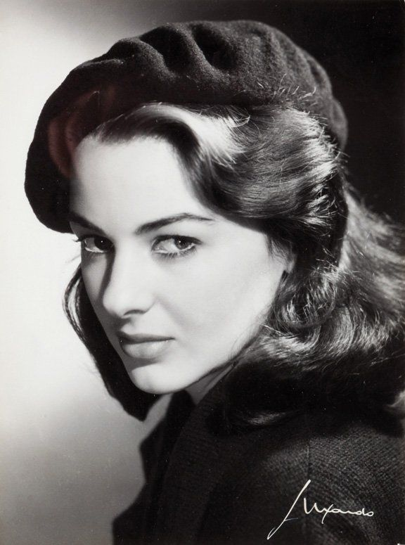 Elio Luxardo (1908-1969) photograph - Eleonora Rossi-Drago, ca. 1960.