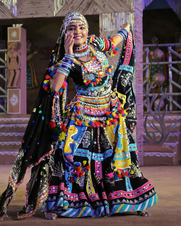 https://flic.kr/p/iCatcv | Kalbelia dancer at Shilpgram Fair - Udaipur, India