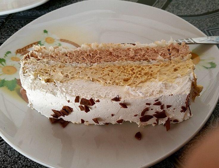 Milka torta sa kombinacijom bele i mlečne Milka čokolade i kokosa u korama. Sastojci: 10 jaja 600 ml slatke pavlake 26 kašika šećera ( preporučujem u prahu jer se pre otopi ) 100 gr bele Milka čokolade 100 gr mlečne Milka čokolade ( može i više, ali manje nemojte ) 100 gr kokosa Priprema:…