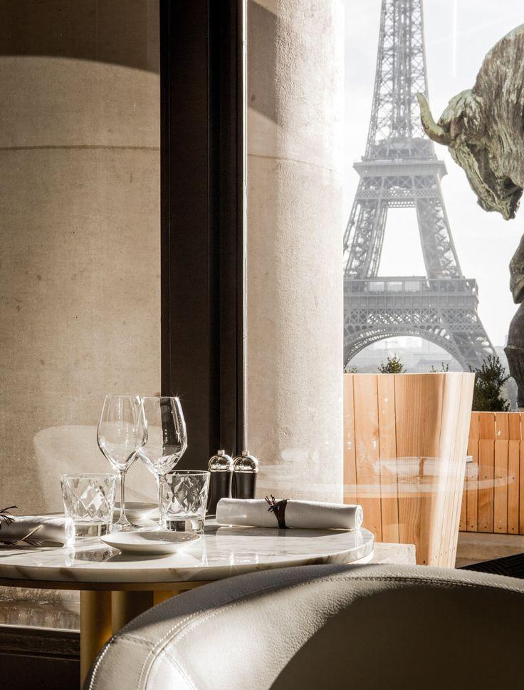 Zwischen dem Jardin de Tuileries, dem Grand Palais und dem Centre Pompidou rollt…