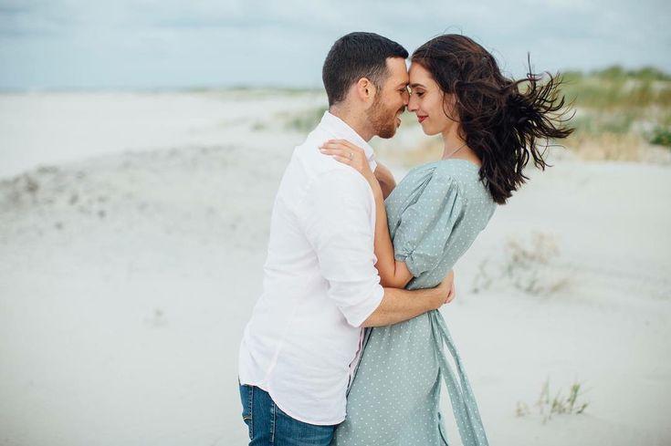 Couples romantic beach photo Kristina Elizabeth Photography @allykimpton