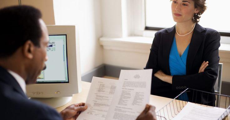 Ejemplos de currículum vitae para maestros. Organizar tu currículum vitae (CV) para trabajar como maestro nunca es fácil, pero es una necesidad si deseas obtener el trabajo de tu elección. Tu CV debe distinguirte de otros postulantes. Igual que ellos, los CV vienen en diferentes formatos, aunque poseen algunas características en común. He aquí algunos ejemplos de CV que puedes usar cuando ...