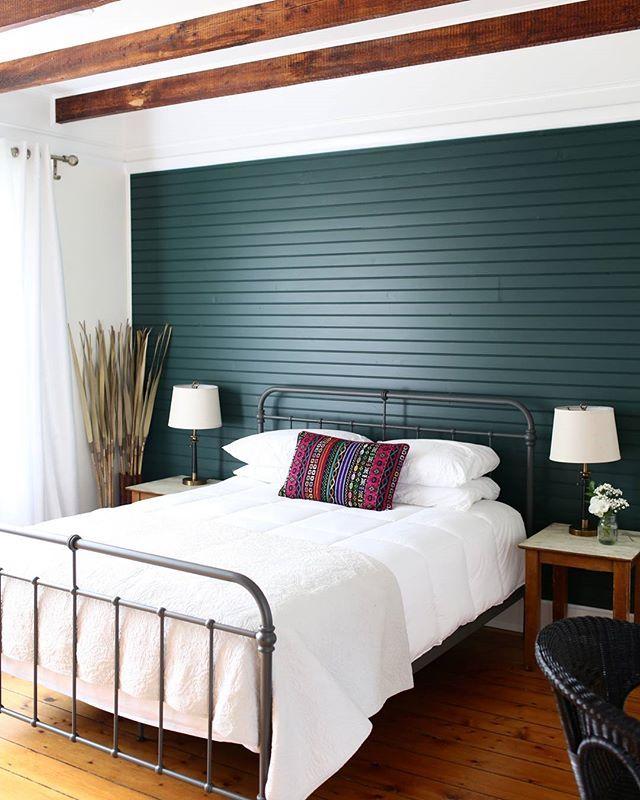 9 besten Einrichtung Bilder auf Pinterest Matt, Einrichtung und - moderner wohnzimmerschrank mit glastüren und led beleuchtung
