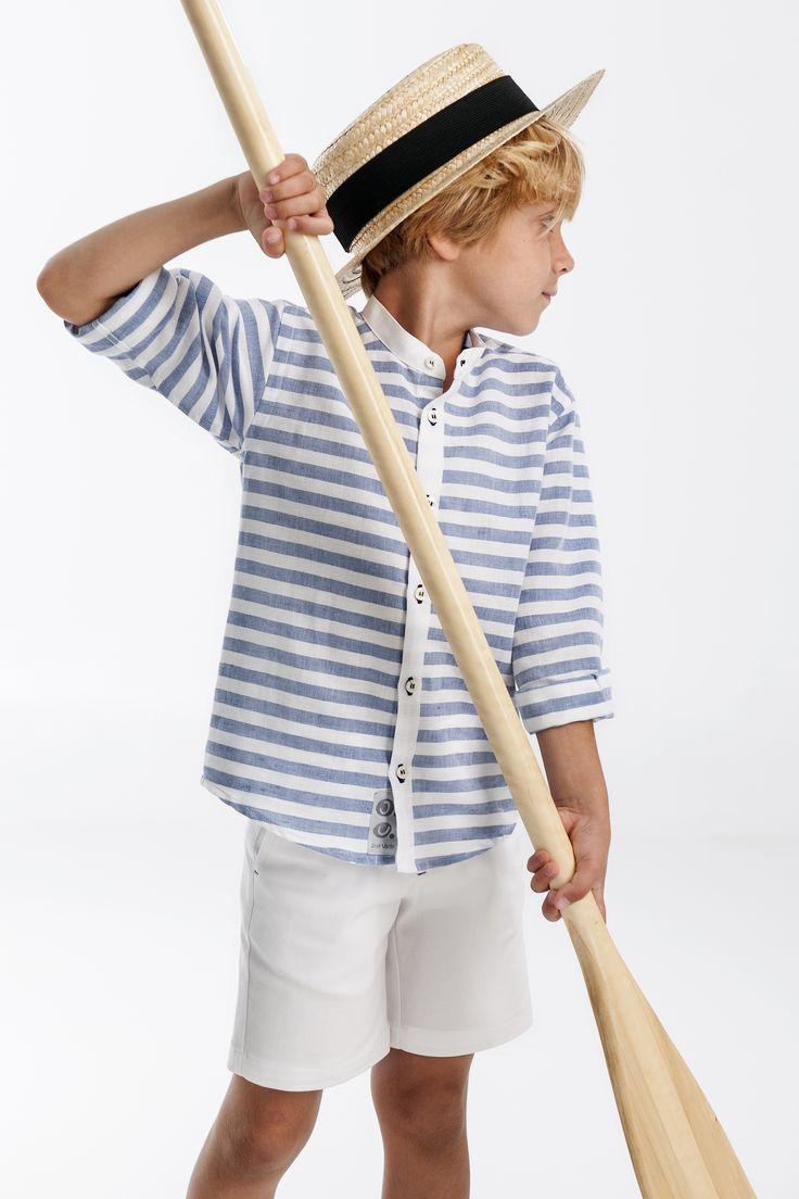 Conjunto Venecia de José Varón. Bermuda blanca y camisa de rayas