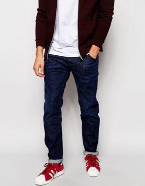 Diesel Jeans – Krayver 845B – Schmale Karottenjeans mit dunkel indigoblauer Waschung 130€