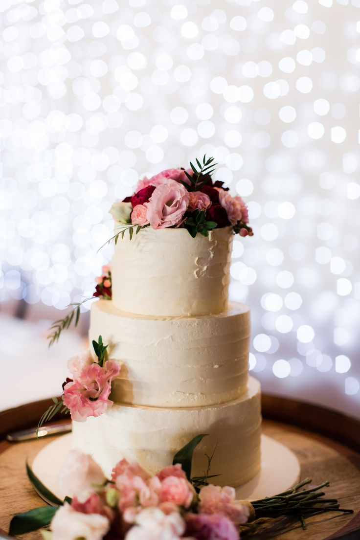 Wedding Flowers by Simply Stems // Cake Flowers // Photography by Julia Archibald Photography