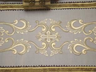 Gold Scroll Runner Embroidery Designs