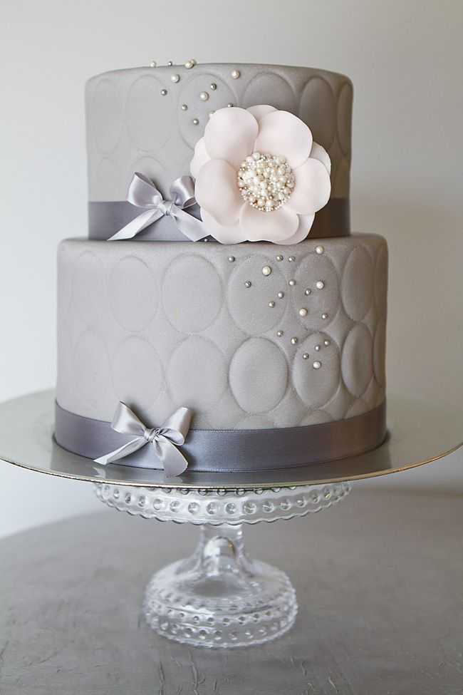 gray wedding cake 17 best ideas about grey wedding cakes on 14903