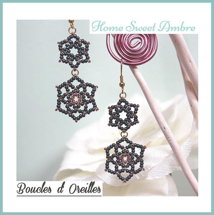 Tutoriel pour réaliser des pendants ou boucles d'oreilles, pour briller en soirée, en forme d'étoiles ou de fleurs avec de simples perles de rocaille.