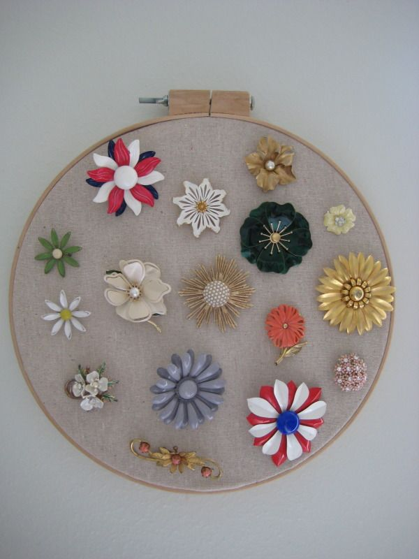 I can totally make that: Vintage Monday: flower brooch display                                                                                                                                                     More