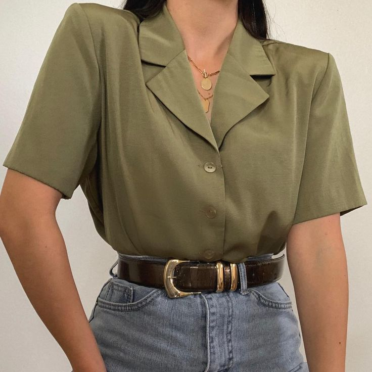 90 S Fashion Best 90 S Outfit Ideas 90s 90sfashion 90sstyle 90saesthetic 90sgrunge 90sbabes 90sparty 90sout In 2020 Vintage Trousers Fashion Aesthetic Clothes