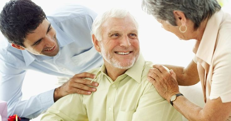 Ideas de centros de mesa para un cumpleaños de 60 años. Llegar a la edad de 60 años es una causa definitiva de celebración y una fiesta para una persona que ha llegado a este hito es una manera perfecta de celebrar. Los centros de mesa para una fiesta de cumpleaños número 60 pueden ser divertidos, elegantes, significativos o incluso servir como recuerdos de fiesta para los invitados. Utiliza estos ...