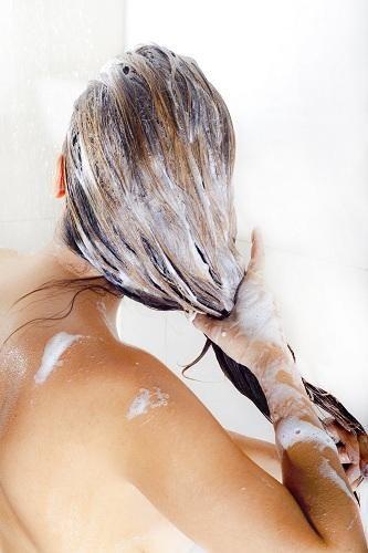 décolorer-les-cheveux