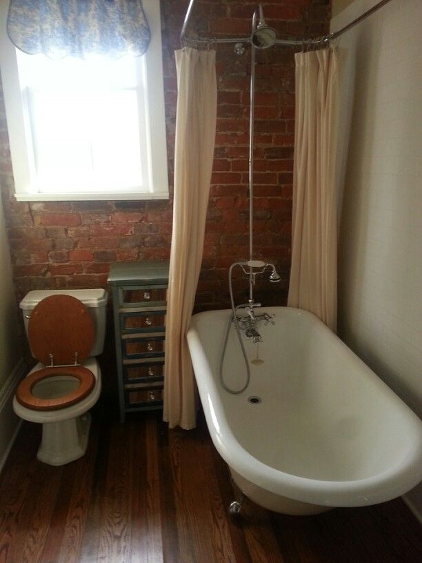 Perfect little bathroom.