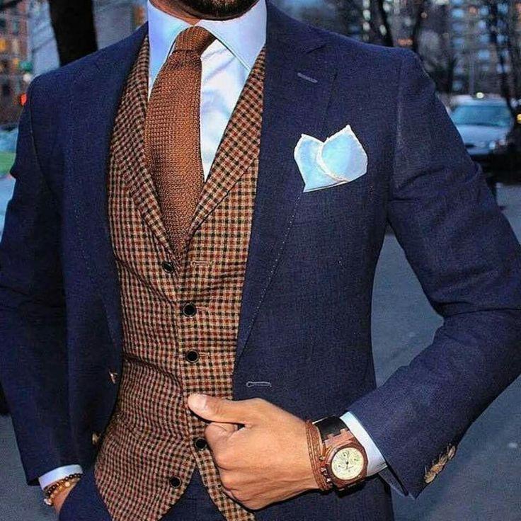 Elegante y buen traje para una ocasión especial