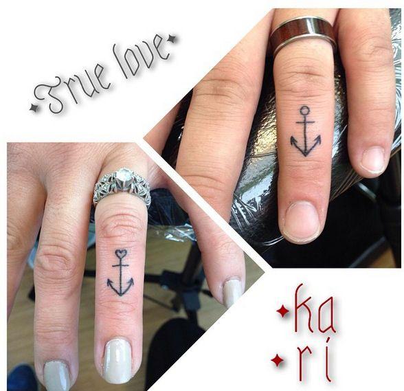 ber ideen zu anchor finger tattoos auf pinterest anker t towierungen. Black Bedroom Furniture Sets. Home Design Ideas