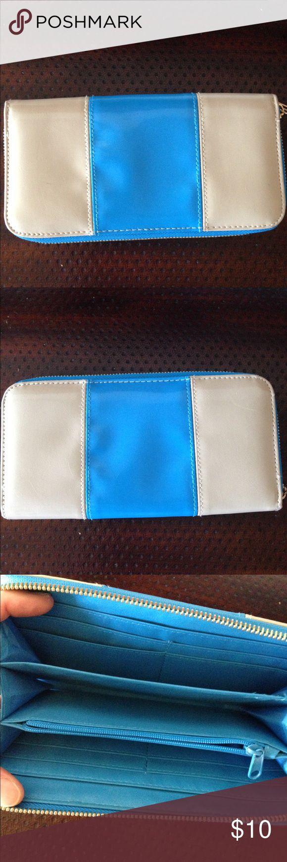 Cool wallet vegan leather 8x4 wallet nice clean wallet classic stripe looks like mini cooper Bags Wallets