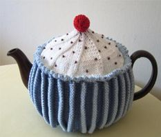 Free teapot PDF. Just stunning: from Jane Crowfoot. Thanks for an amazing share.... xox