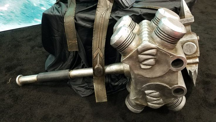 First Look At The Jade Giant's PLANET HULK Armor And Weapons From THOR: RAGNAROK