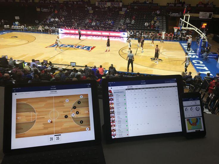 ボールと選手全員にセンサーをつけてバスケの試合をリアルタイムで分析するShotTrackerファン用アプリもある
