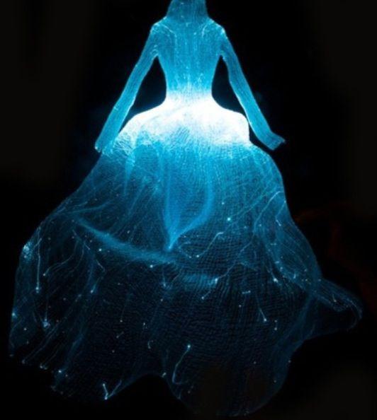 JOJO POST FASHION: FIBER OPTIC LIGHT DRESS. by Taegon Kim.