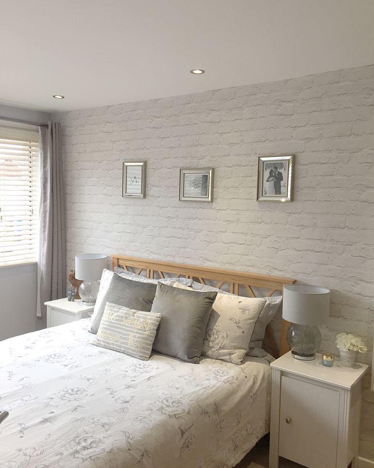 Best 25+ Brick Wallpaper Bedroom Ideas On Pinterest