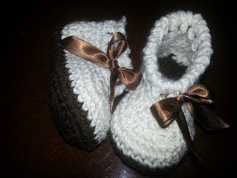 Como hacer unas botitas de bebé de ganchillo - Crochet baby Booties - YouTube