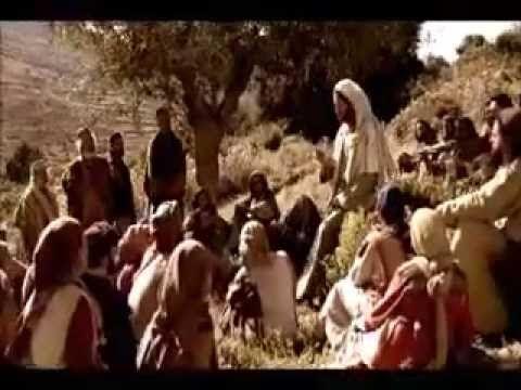 Evangelio del día y comentario (Mt 5,1-12) En aquel tiempo, viendo la muchedumbre, subió al monte, se sentó, y sus discípulos se le acercaron. Y tomando la palabra, les enseñaba diciendo:...…