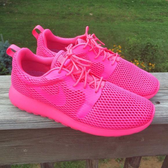 Women's Nike Roshe One Hyper Breathe. Pink ...