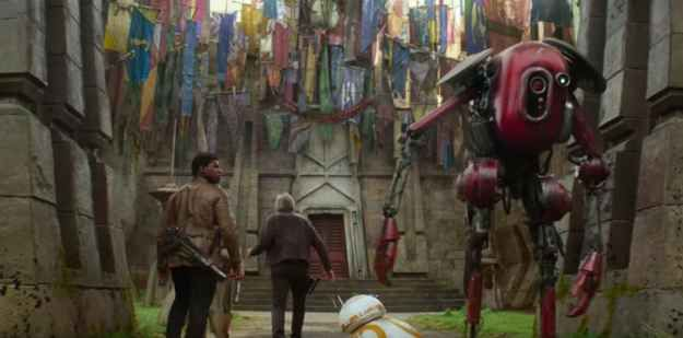 2. Many familiar banners can be seen hanging outside Maz Kanata's outpost, including several of the podracers' flags from Star Wars: The Phantom Menace and the mythosaur skull from Boba Fett's uniform.