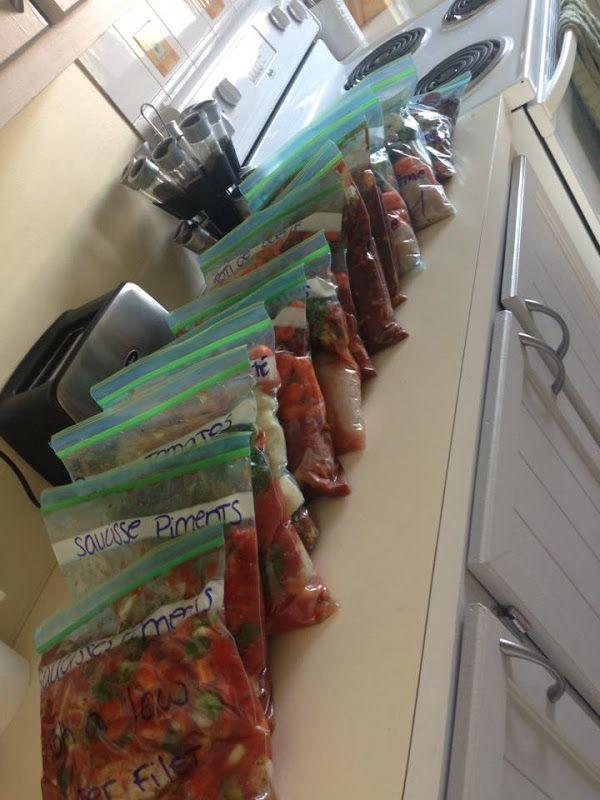 Voici quelques idées de recettes pour mijoteuse, qui peuvent être facilement être préparé d'avance, et congelé dans un sac ziploc.