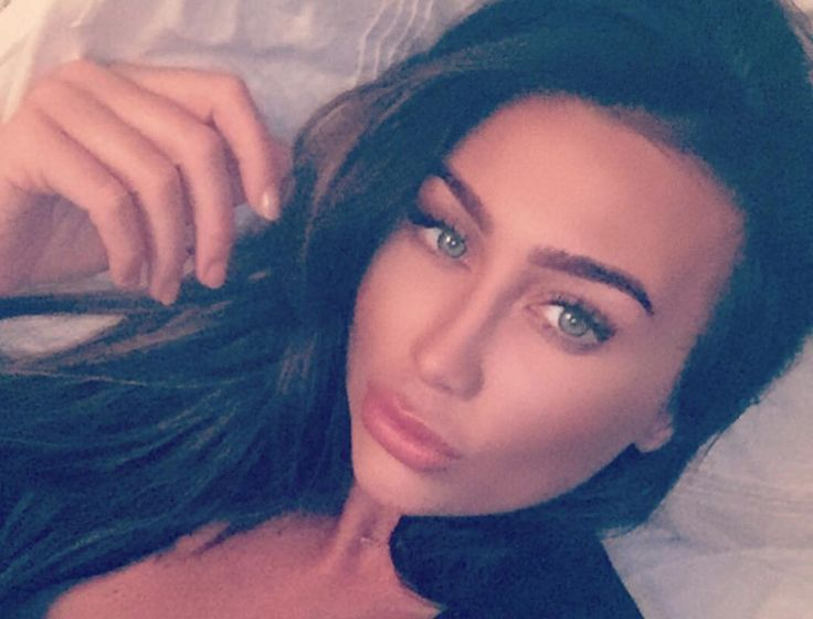 Lauren Goodger Sparks Debate About Body Positivity http://ift.tt/25X9pgi #LookMagazine #Fashion