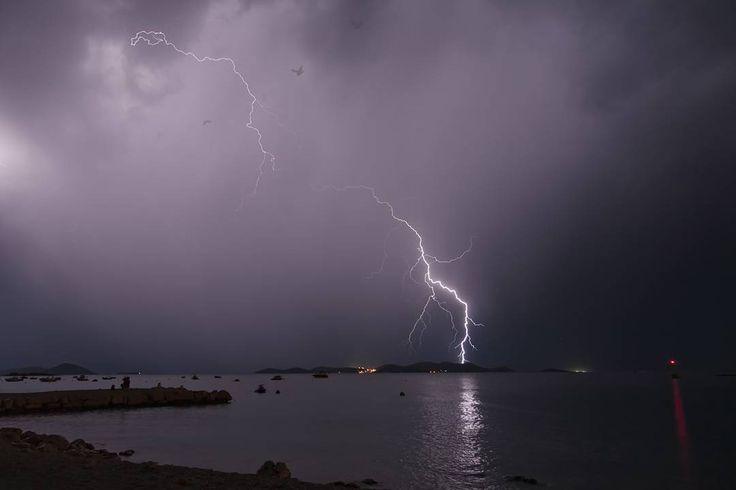 Summer thunders  #igerscroatia #a igershrvatska #croatia #hrvatska #pakostane #ig_europe #ig_shotz #vscocam #vscoeurope #vsco #instadaily #photooftheday #instagramers #burza #thunder #thunderstorm #storm #piorun #instagood #night #noc #nightphotography