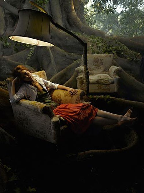by Eugenio Recuenco