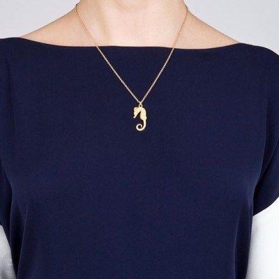 Mini seahorse pendant solid gold