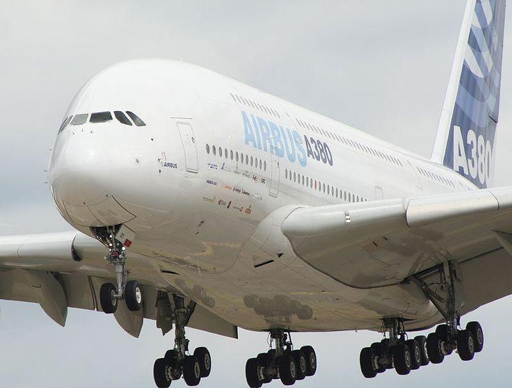 Farnborough air show 2006 a380 landing - Airbus A380 — Wikipédia