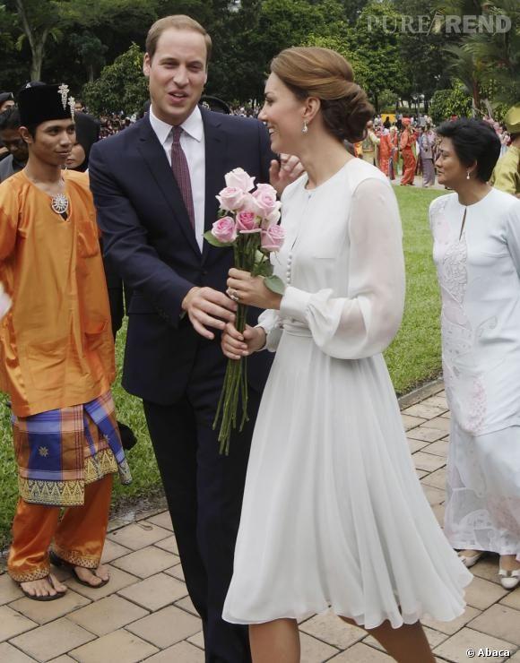 Photos apr s la visite de la mosqu e kate middleton se for Offrir des roses