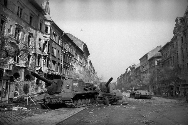 OPPRESION Russian tanks rolling into Budapest to squelch the Hungarian Uprising October 1956 © Erich Lessing
