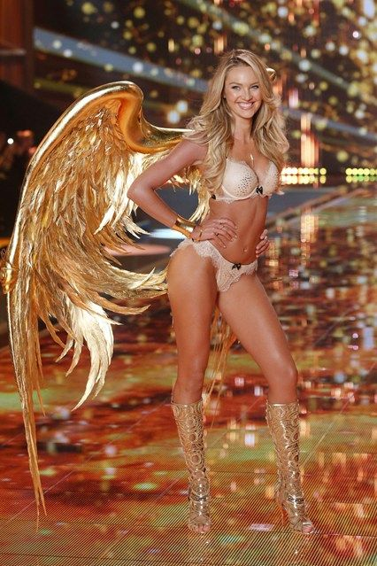 How to be a Victoria's Secret model (by the Angels themselves)
