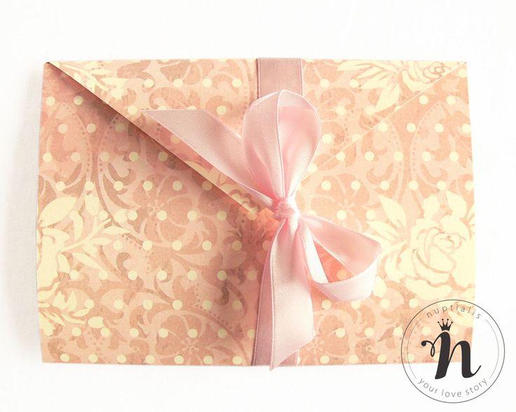 "Invitatie nunta vintage cu camee si roz cuart – ""ANASTASIA"""