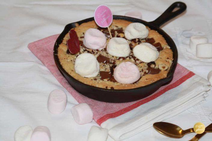 Cookie géant à la poele – Chocolat noisettes et chamallows