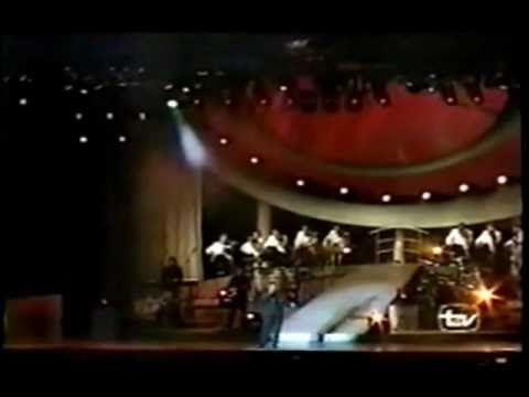 "Luis Miguel  ""Voy A Apagar La Luz / Contigo Aprendí""  Tour Romances A most Romantic song"