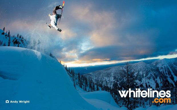 Classic Nicolas Müller style. LEGEND!Heart Snowboards, Snow Time, Snowboards Wallpapers, Photos Wallpapers, Extreme Snowboards, The Twilight Zone, Nicolas Muller, Andy Wright, Nicolas Müller